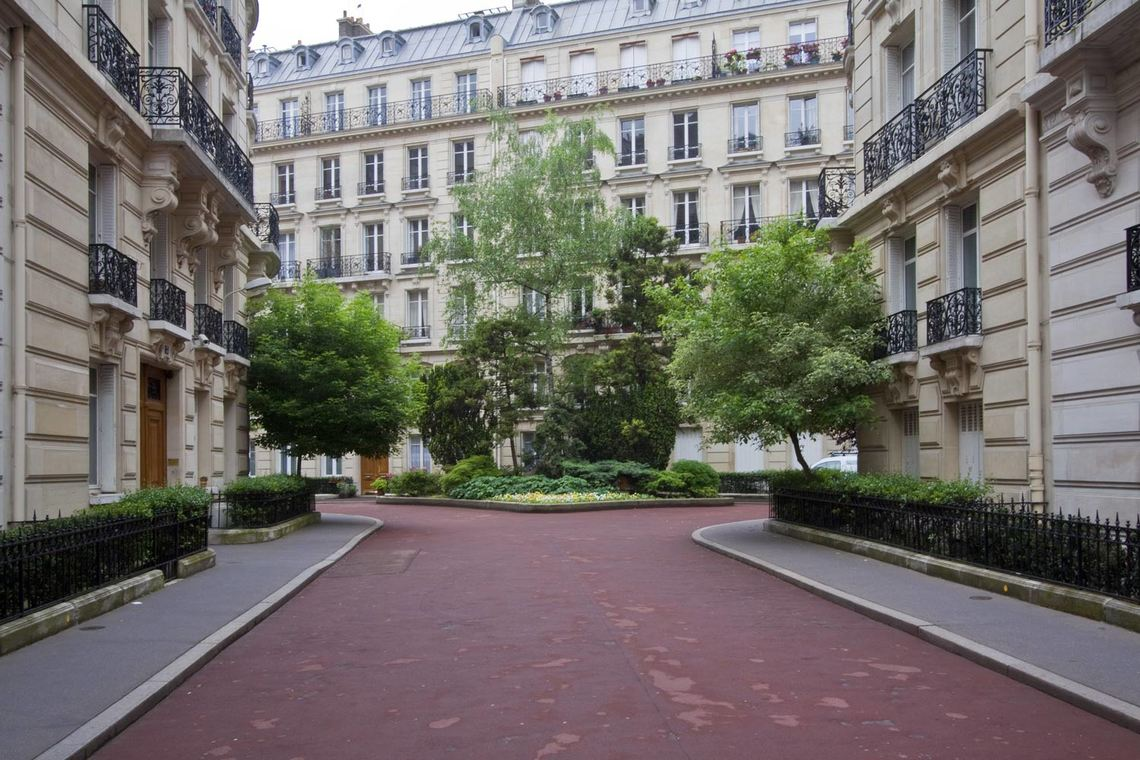 Location appartement meubl square du croisic paris ref for Appartement meuble a louer paris 16