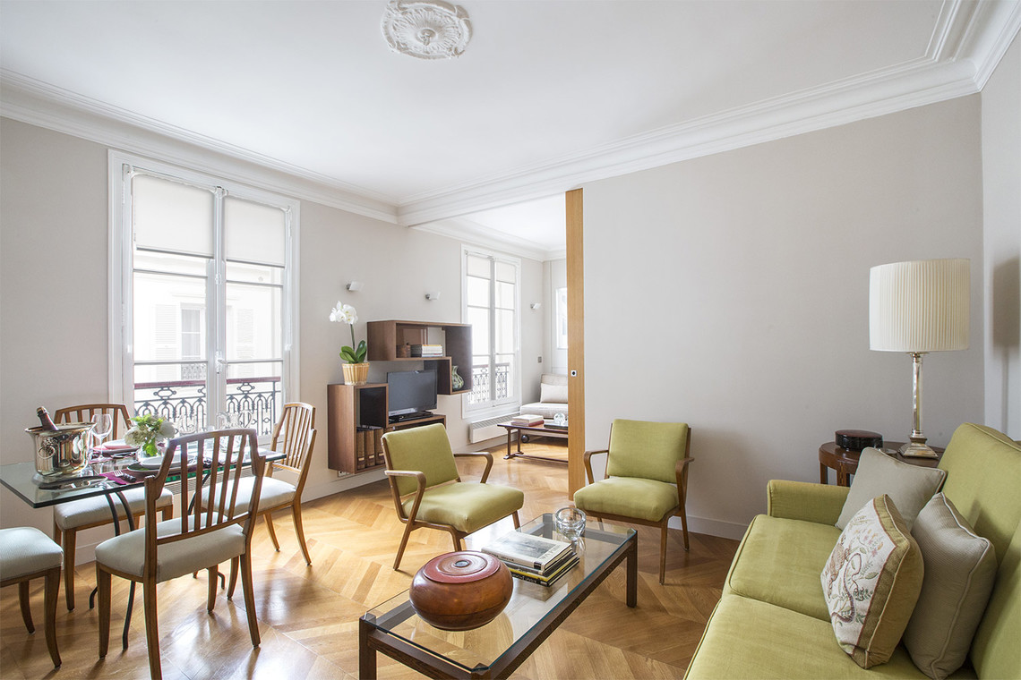 Paris Rue de Bassano Apartment for rent