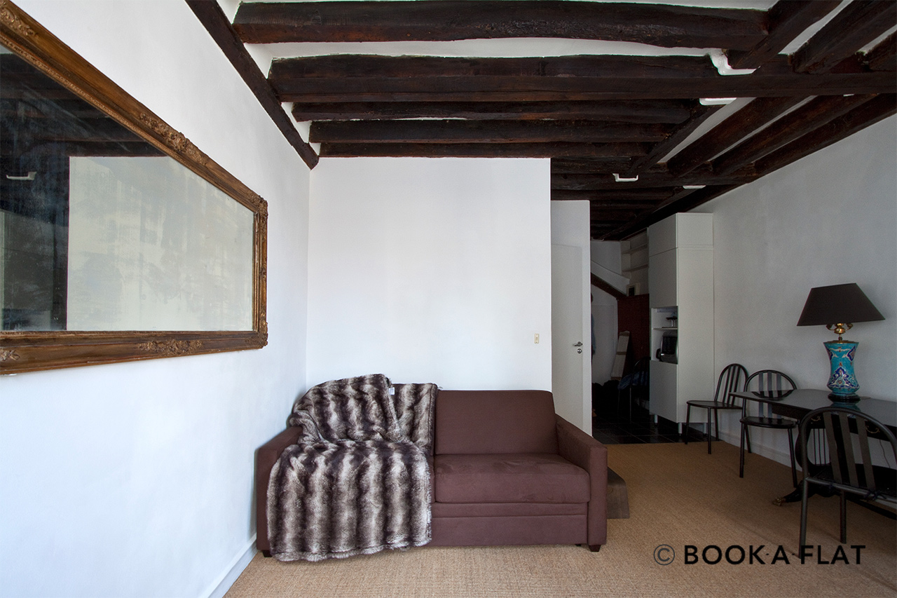 Furnished apartment for rent Paris Rue du Jour