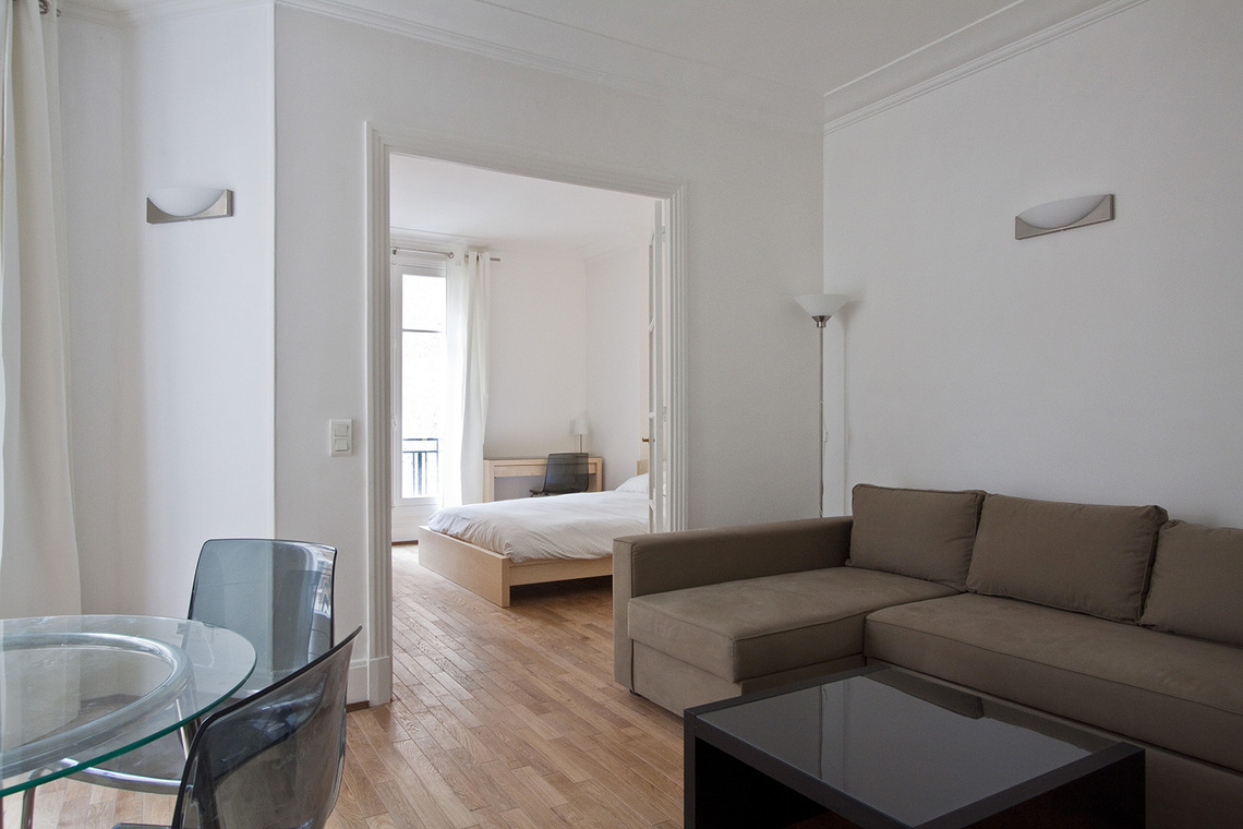 Appartement Paris Rue Barbet de Jouy 2