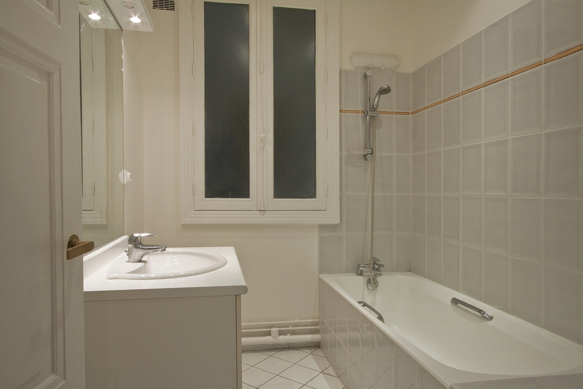 Appartement Paris Rue Barbet de Jouy 10