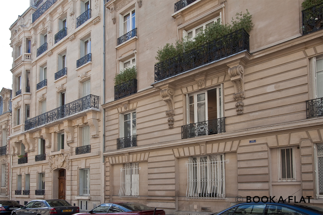 Квартира Paris Rue Léonce Reynaud 11