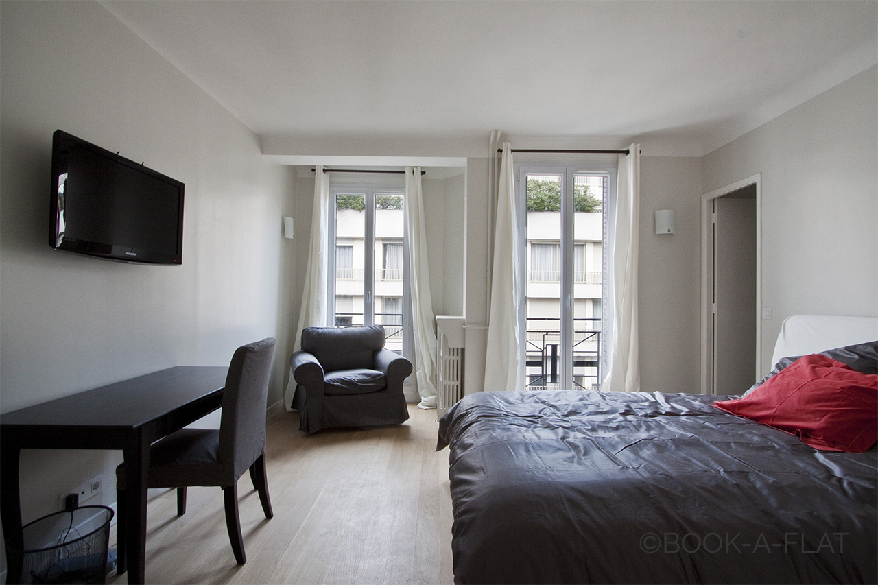 Apartment Paris Rue des Acacias 5