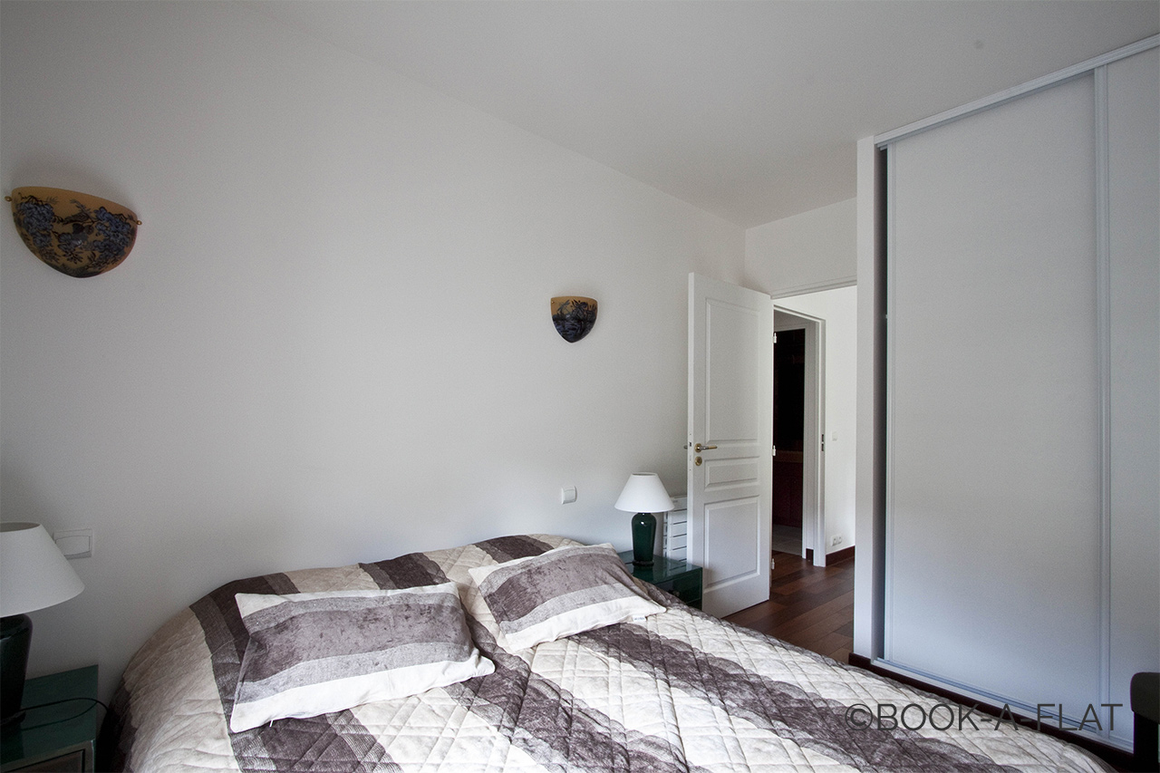 Appartement Paris Rue Pierre Demours 8
