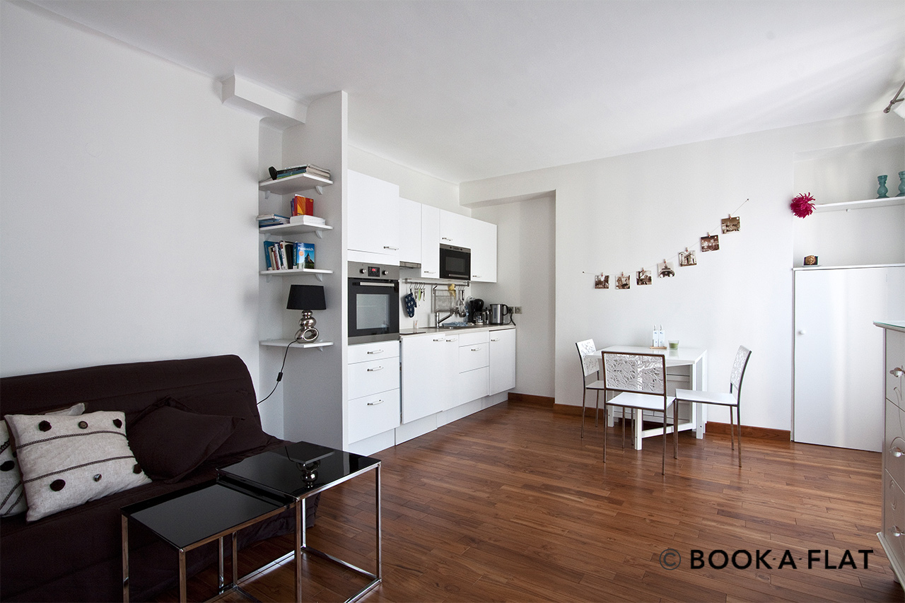 Apartment Paris rue Cler