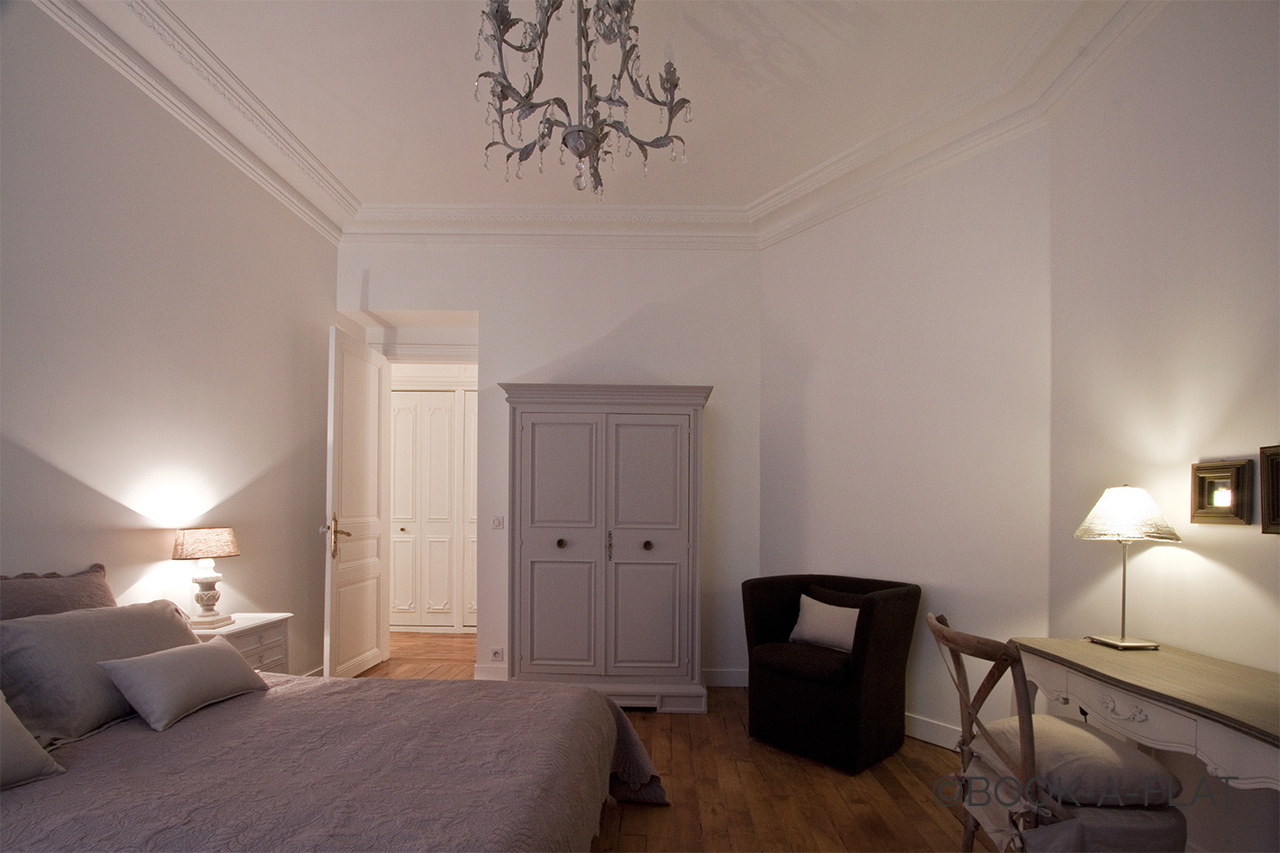 Apartment Paris Rue Pierre Demours 10