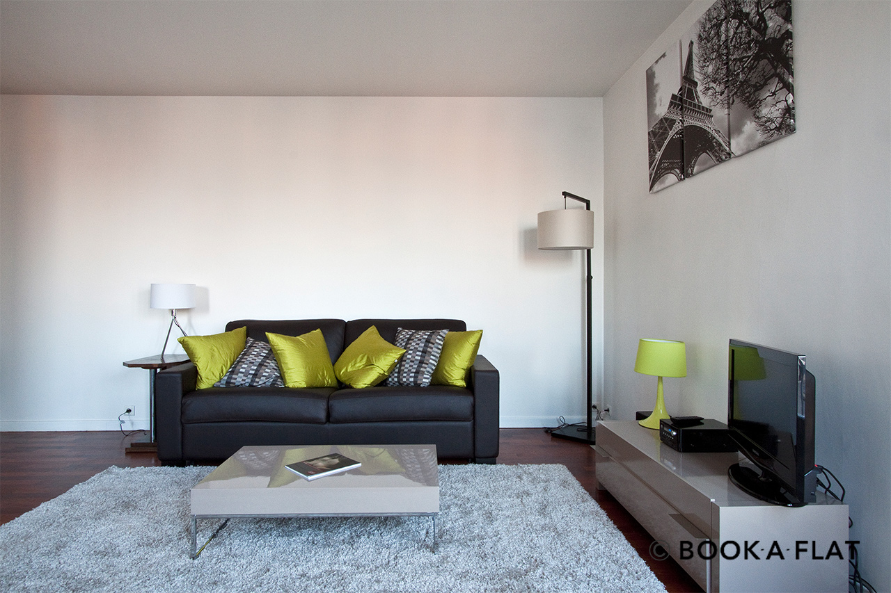 Paris Rue Ravignan Apartment for rent