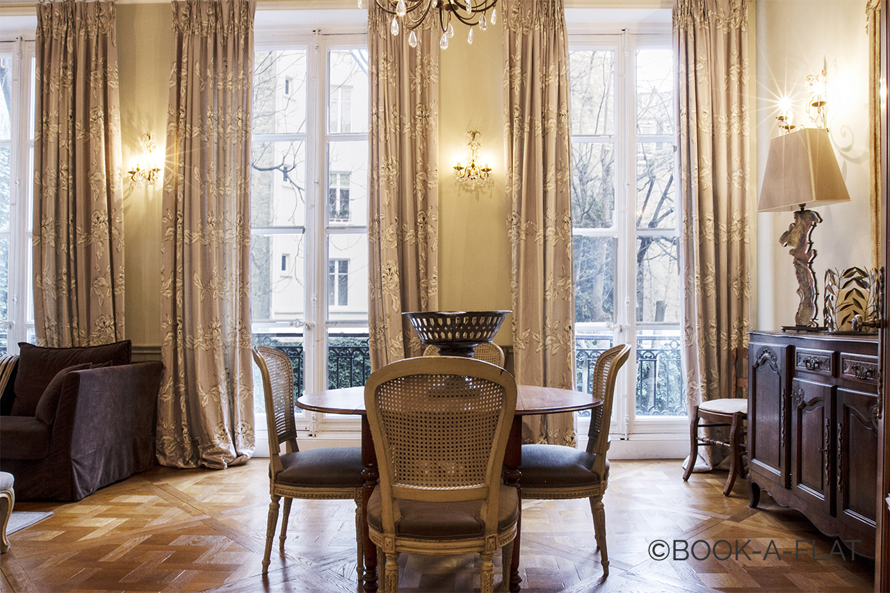 Location Appartement Meuble De 100 M2 Rue Du Cherche Midi A Paris
