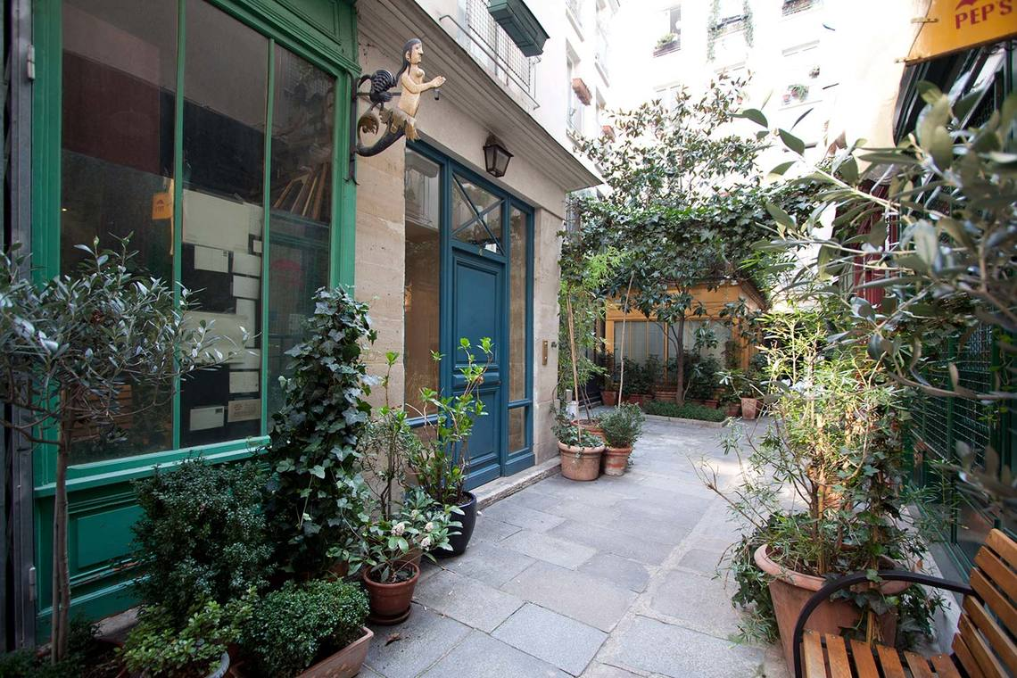 Квартира Paris Rue Saint Martin 9