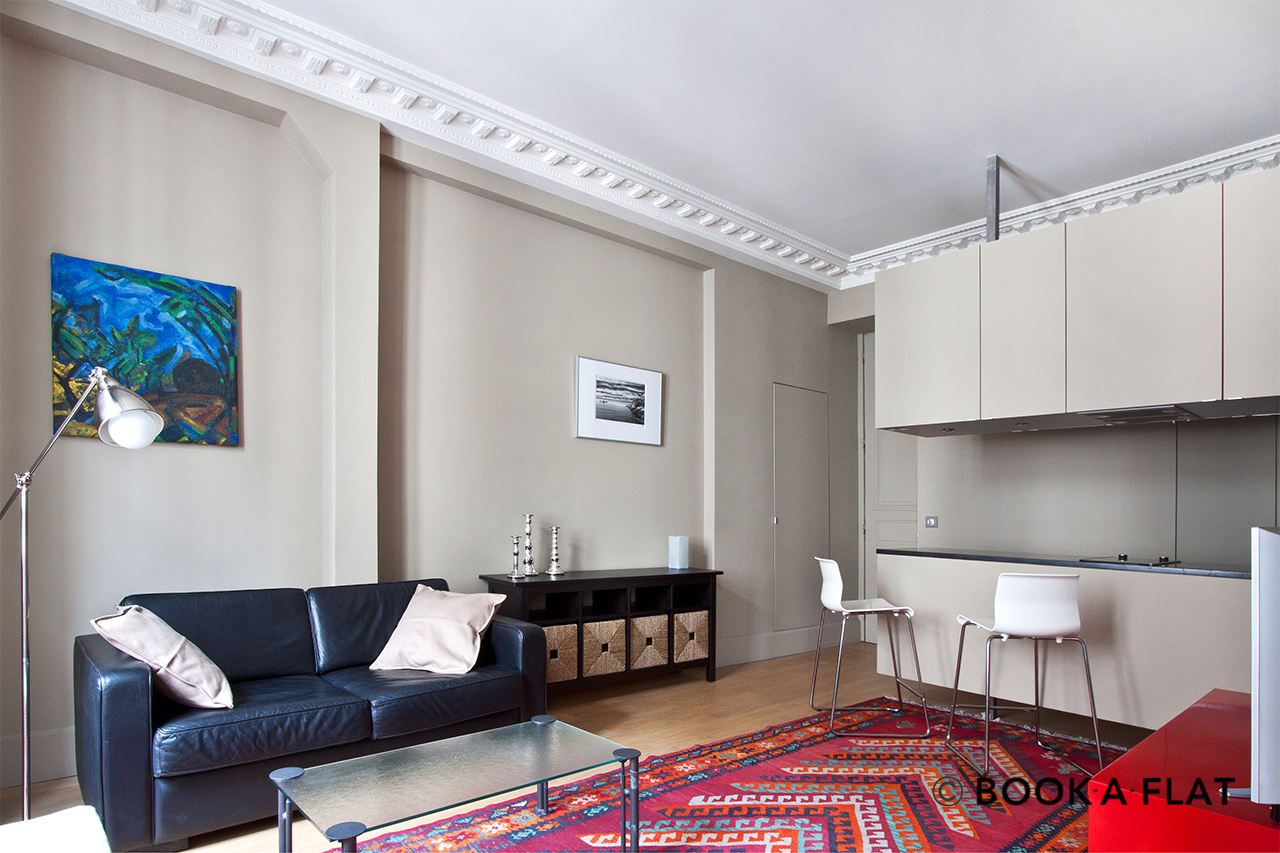 Furnished apartment for rent Paris Rue des Saussaies