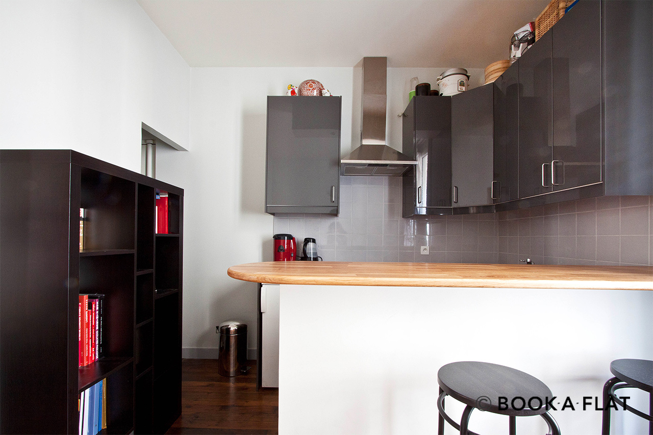 Location appartement meubl rue lamarck paris ref 4564 for Salon cuisine paris