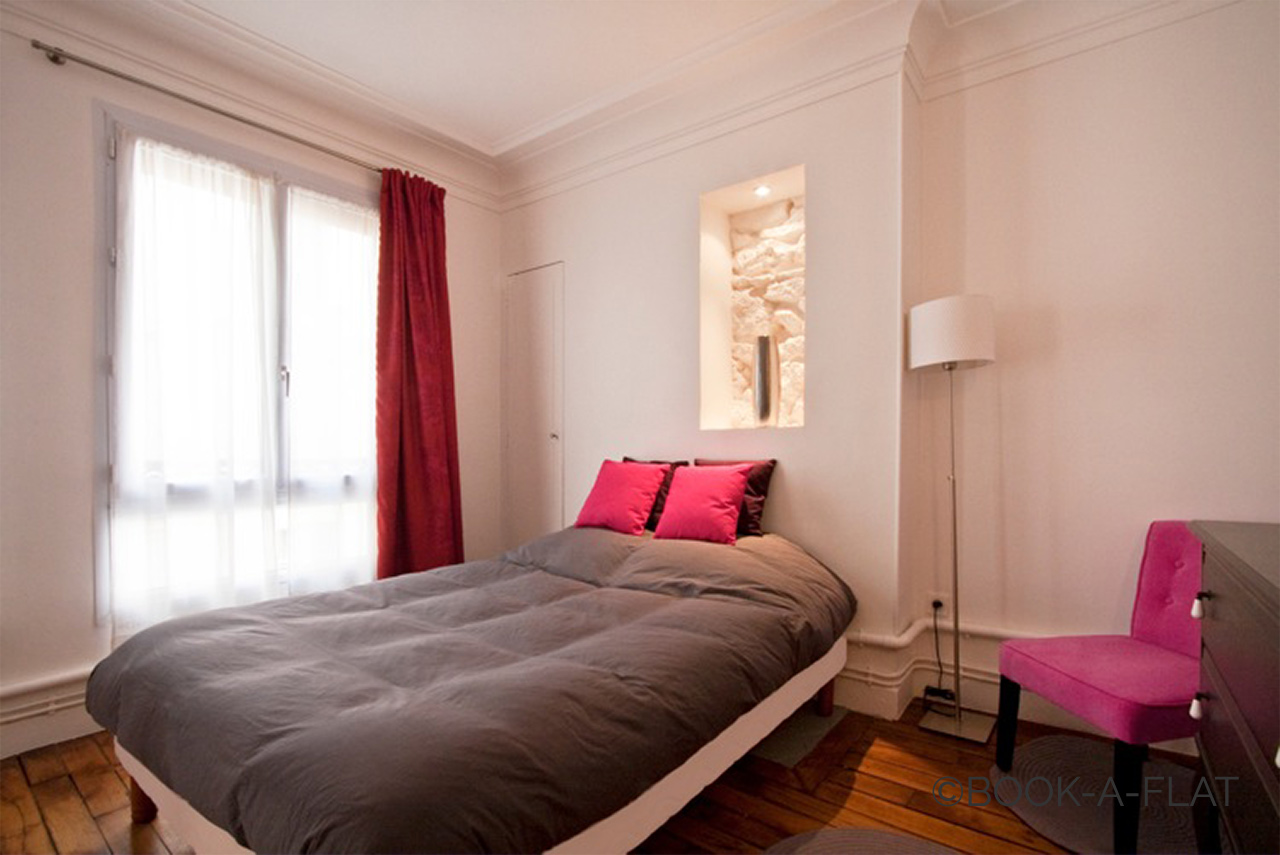 Apartment Paris Simart 8