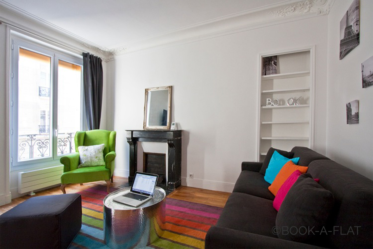 Apartment Paris Simart 2