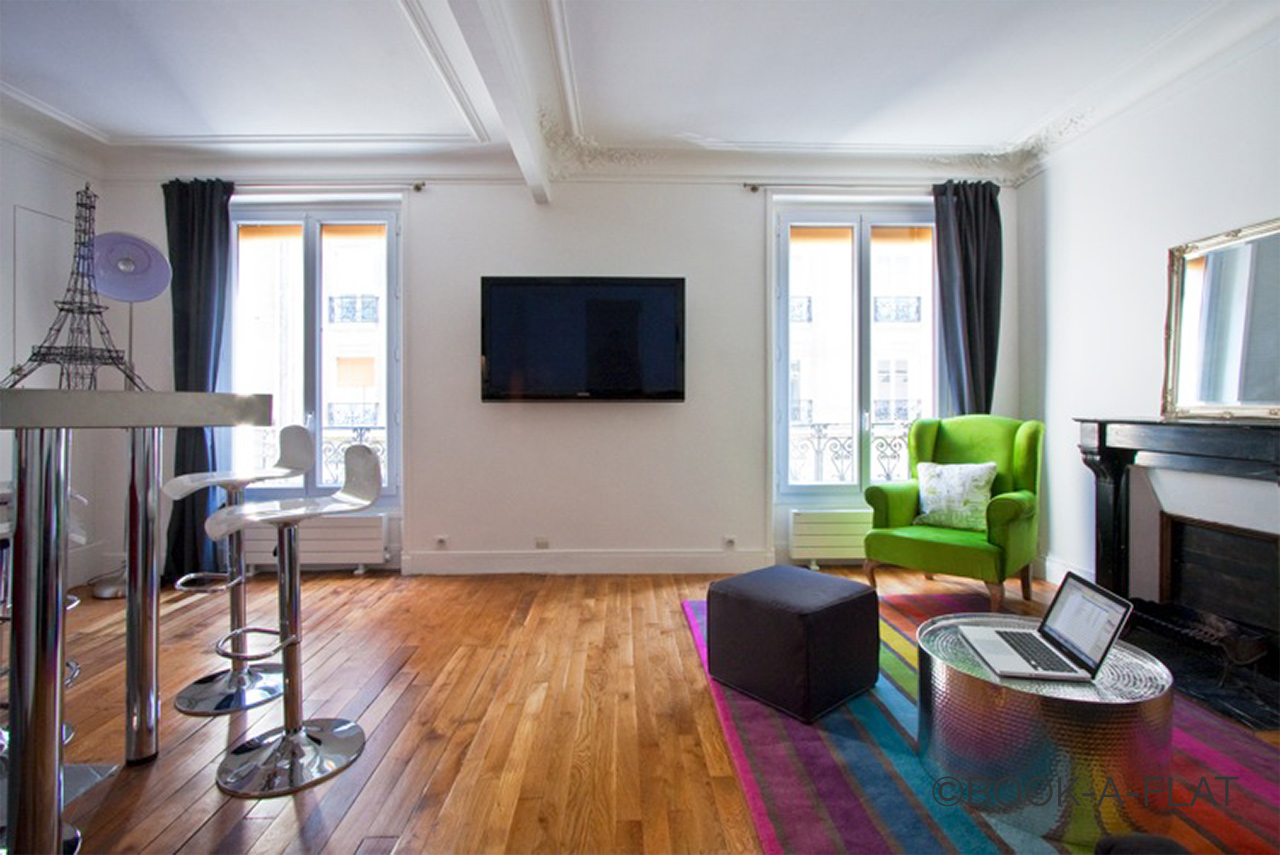 Apartment Paris Simart 6