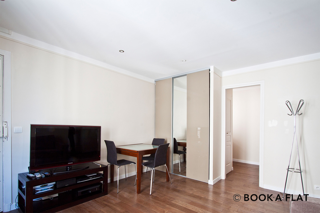 Apartment Paris Rue Yvart 4