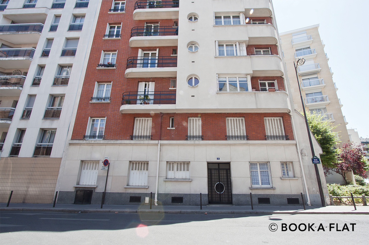 Apartment Paris Rue Yvart 10