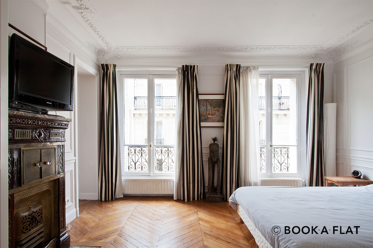 Apartment Paris Rue Barye 6