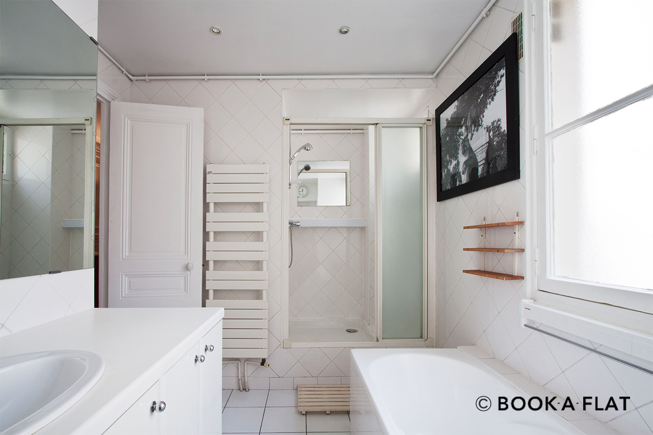 Apartment Paris Rue Barye 8