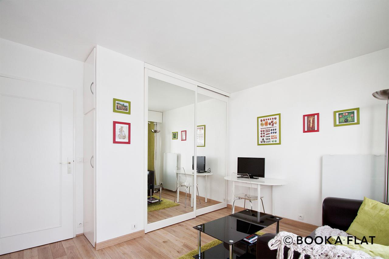 Apartment for rent rue de vaugirard paris ref 4834 - Living room bedroom bathroom kitchen ...