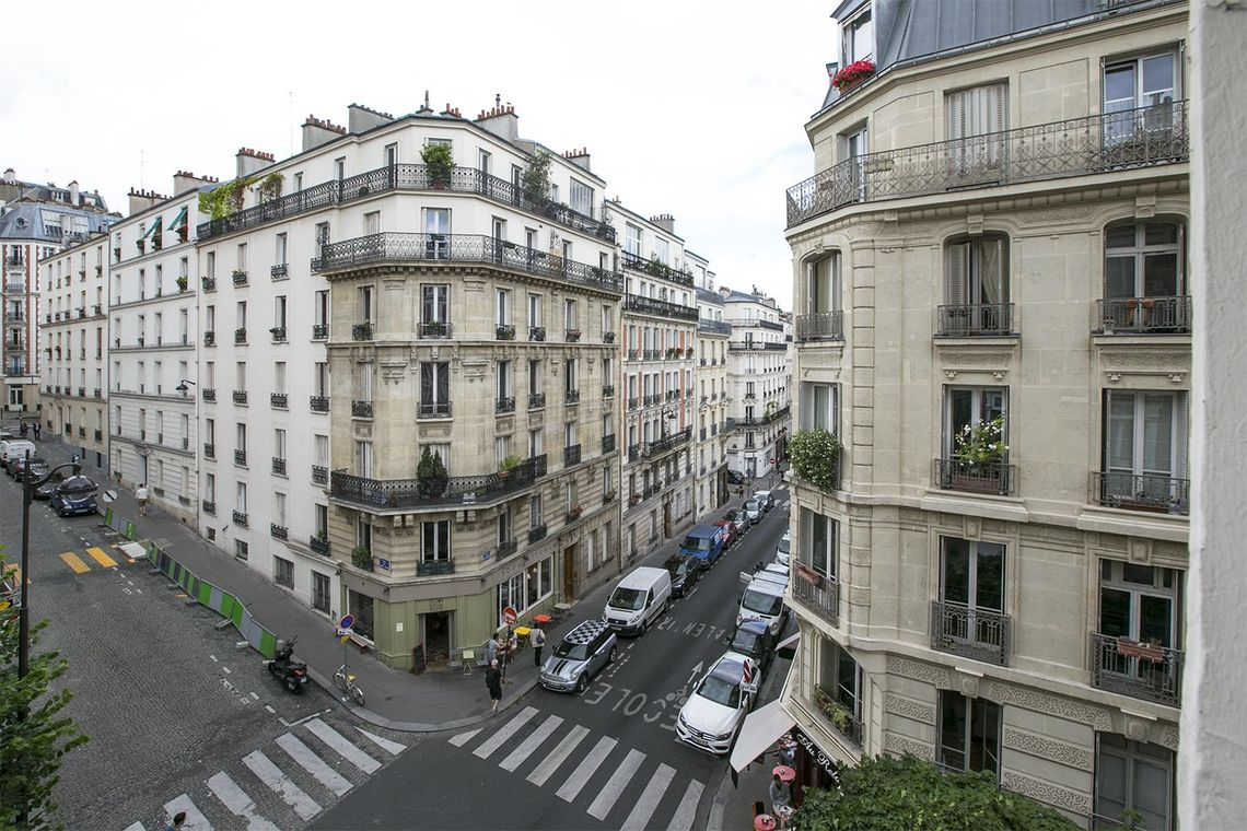 Квартира Paris Rue Lamarck 11
