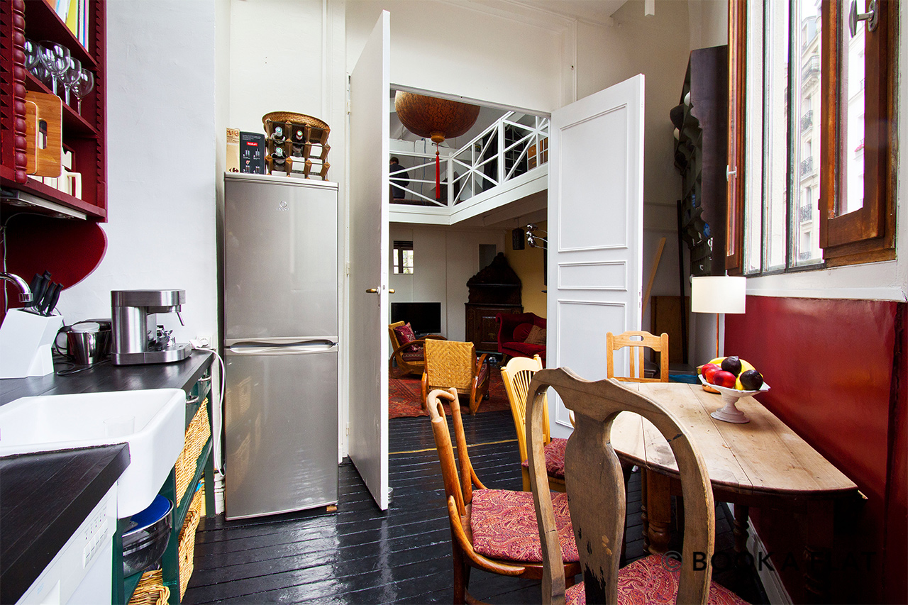 Apartment Paris Rue Tourlaque 6