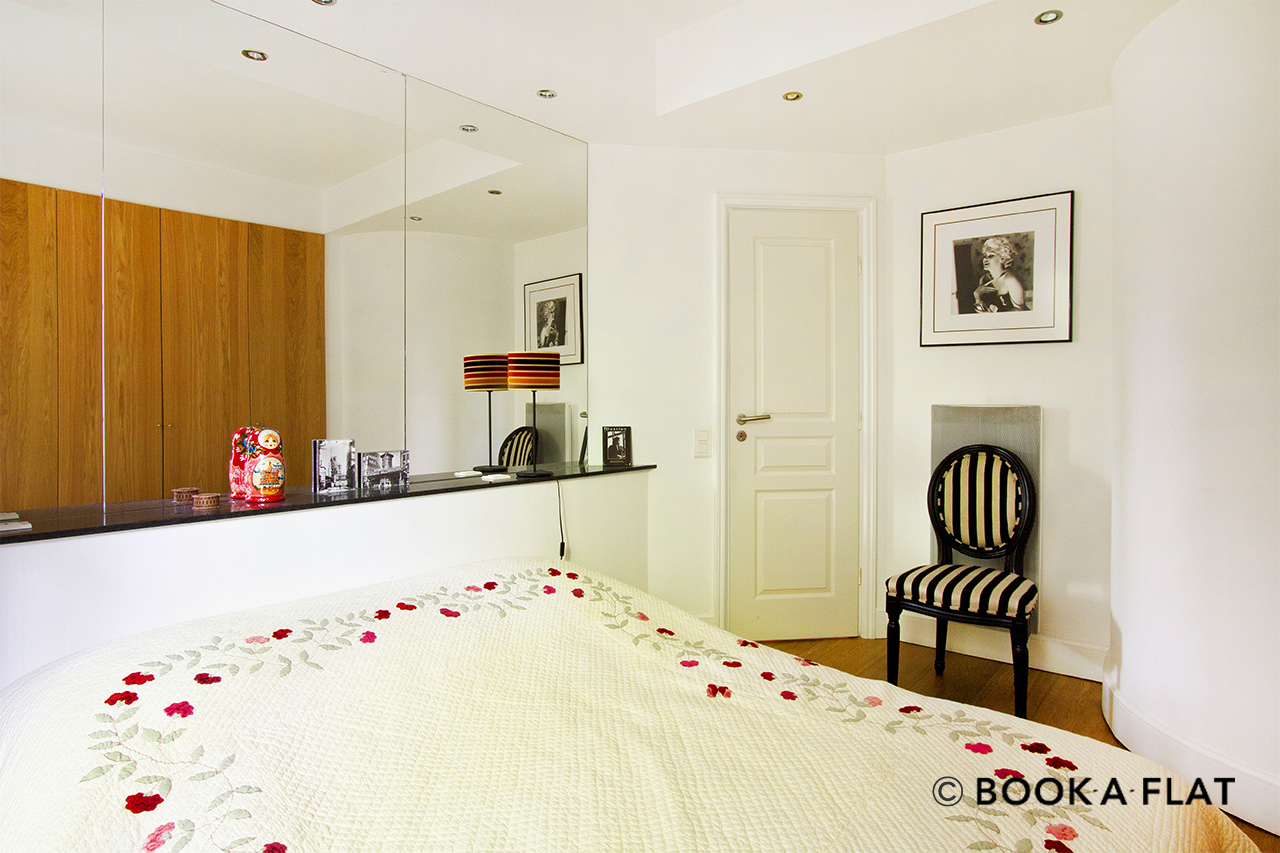 Apartment Paris Rue de Chaillot 8
