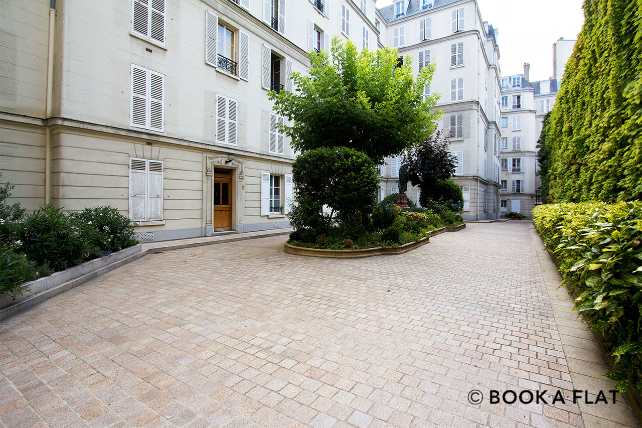 Apartment Paris Rue de Chaillot 11