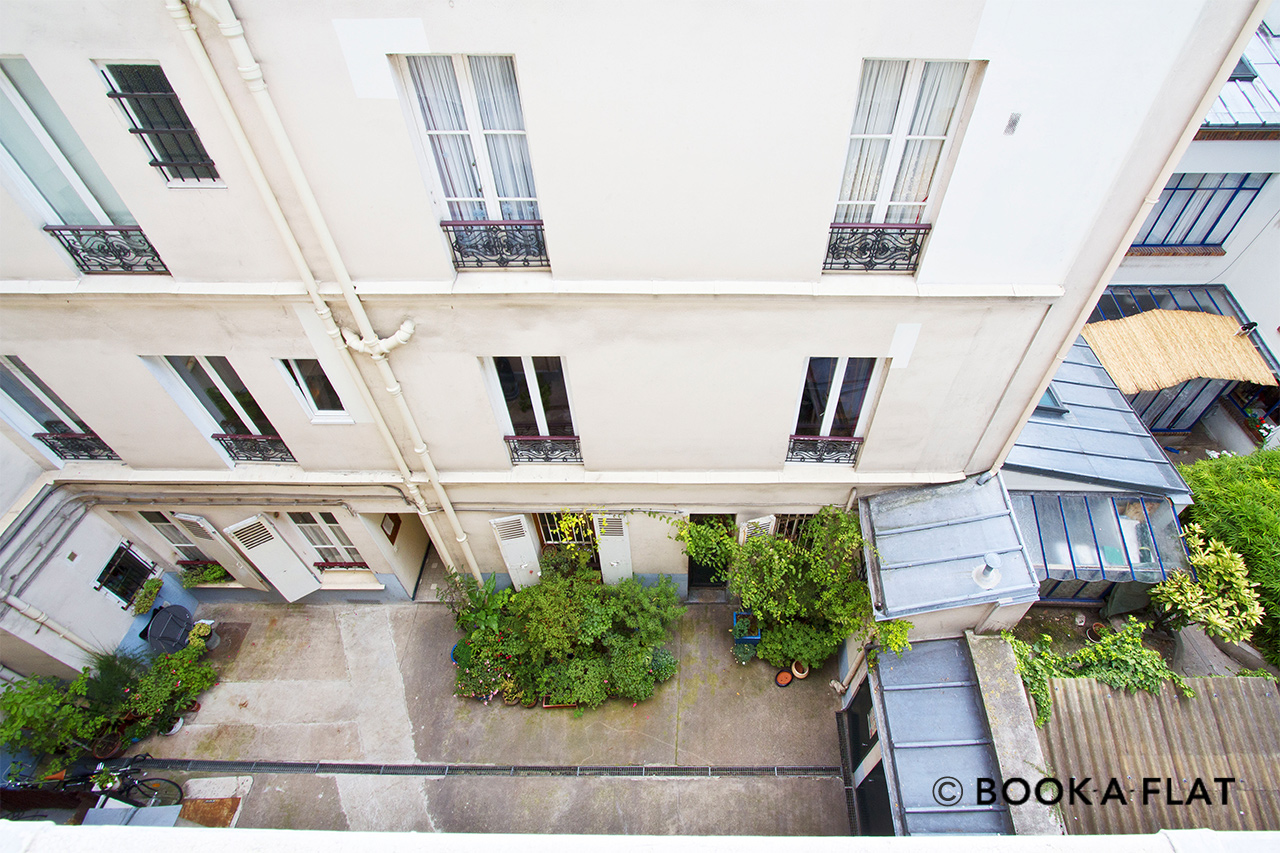 Apartment Paris Rue Véron 9