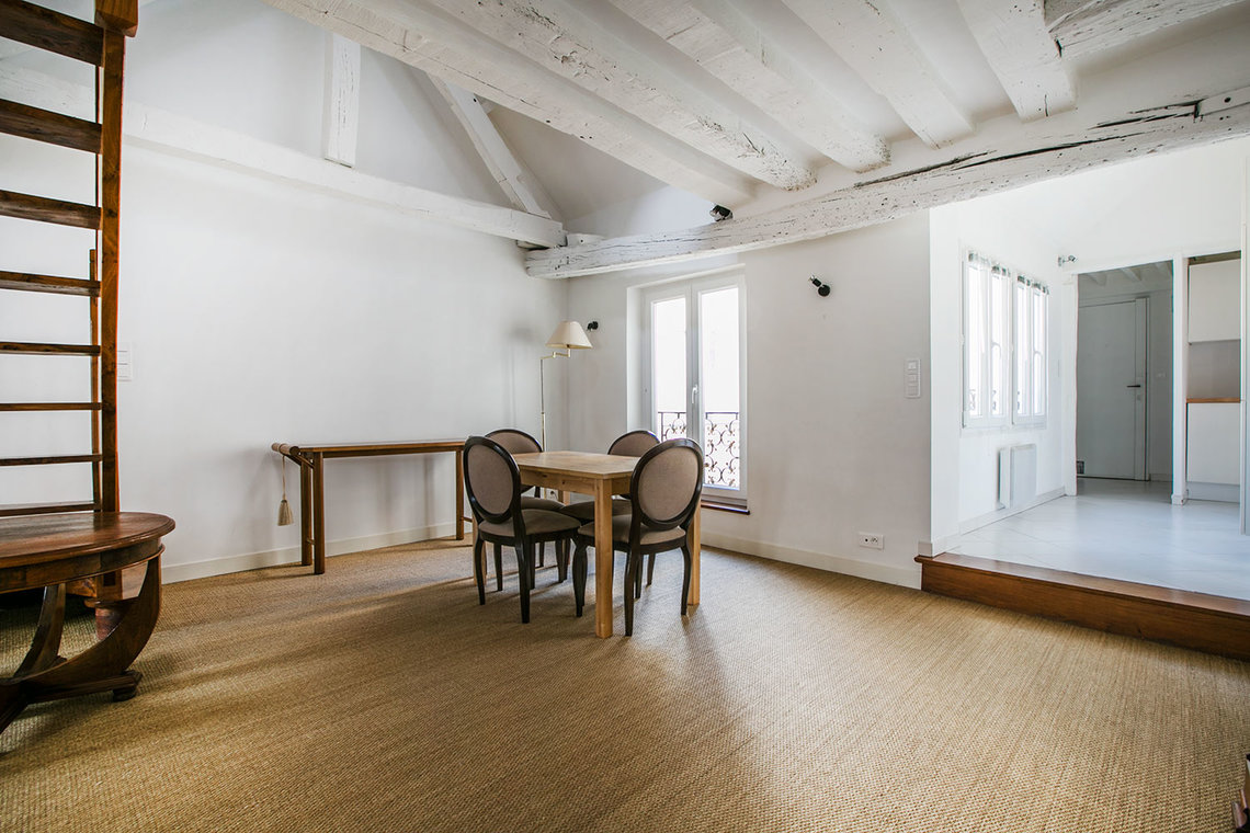Apartment Paris Rue des Gravilliers 5