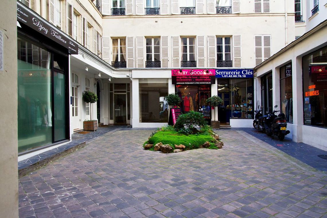 Apartment Paris Rue du Chevalier Saint-Georges 12