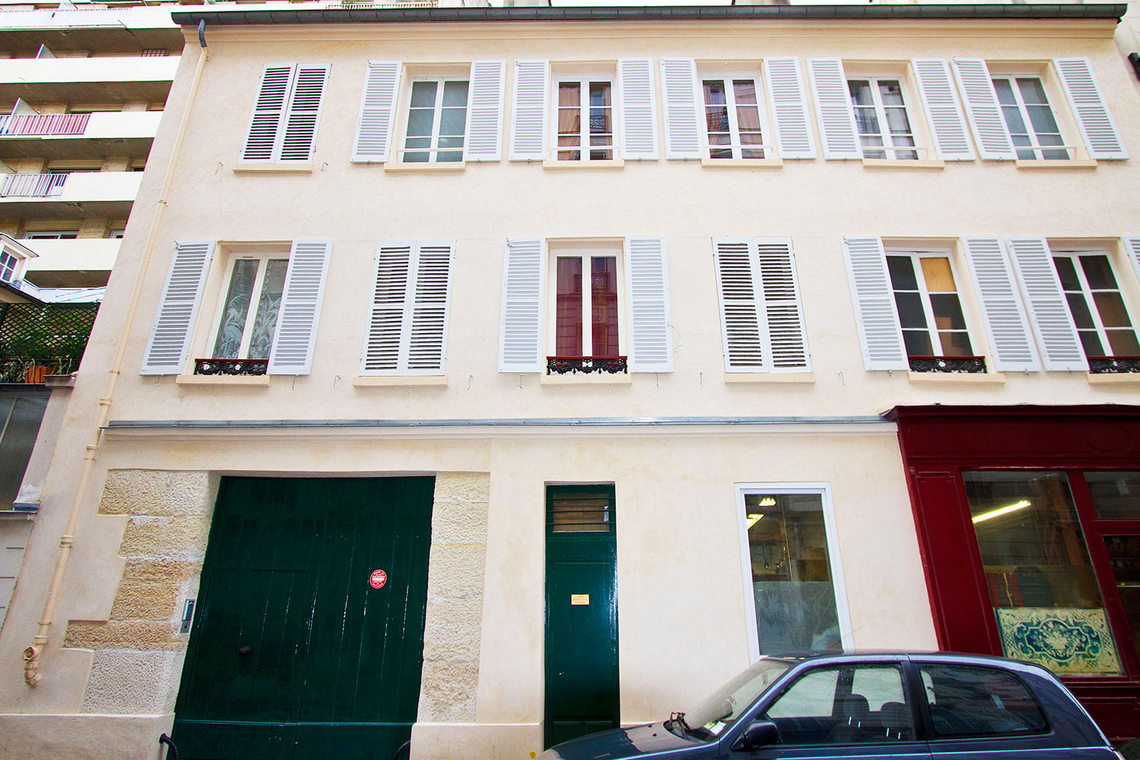 Appartement Paris Rue de la Comète 9