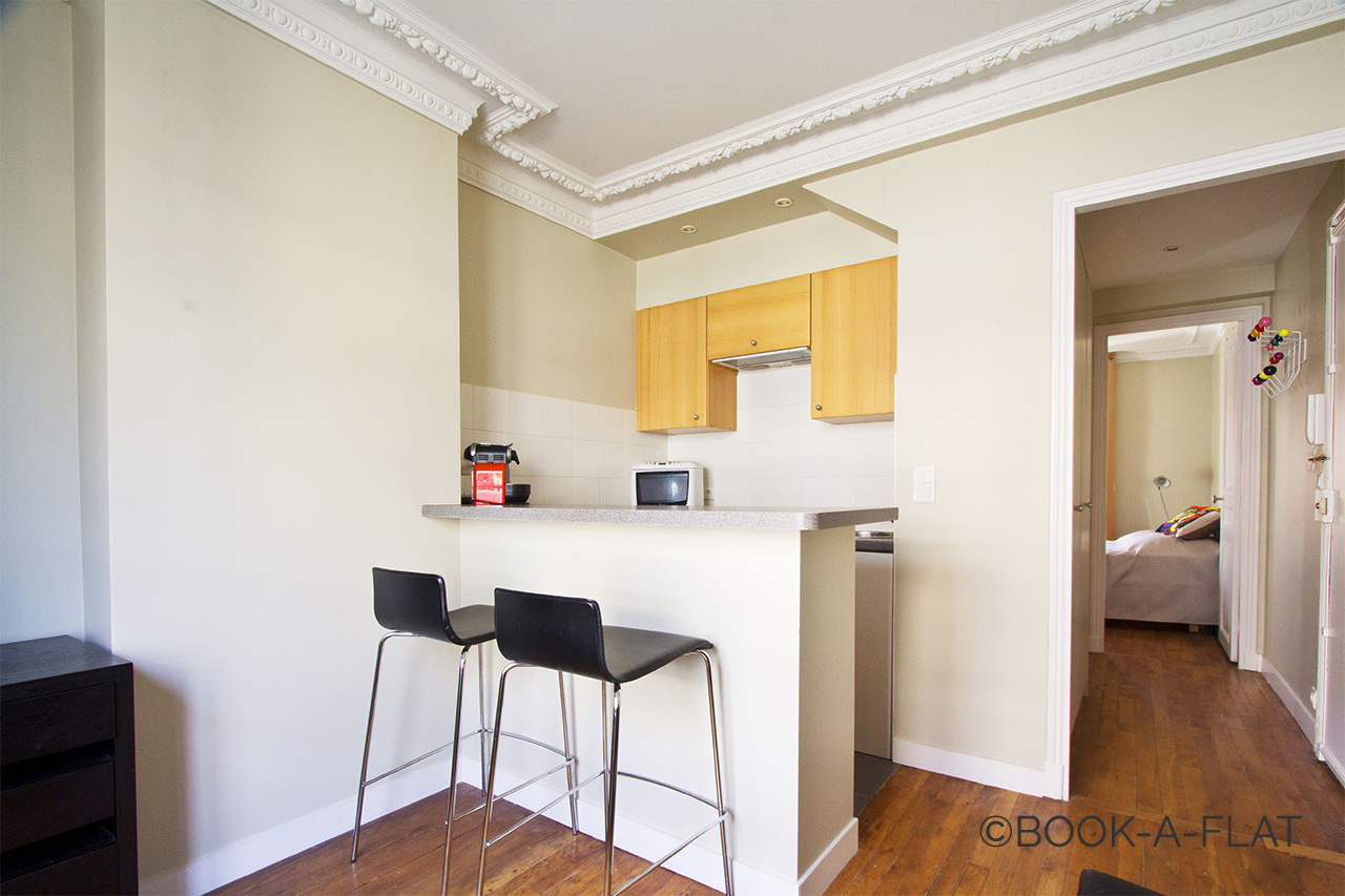appartamento in affitto rue d 39 orl ans neuilly sur seine ref 5942. Black Bedroom Furniture Sets. Home Design Ideas