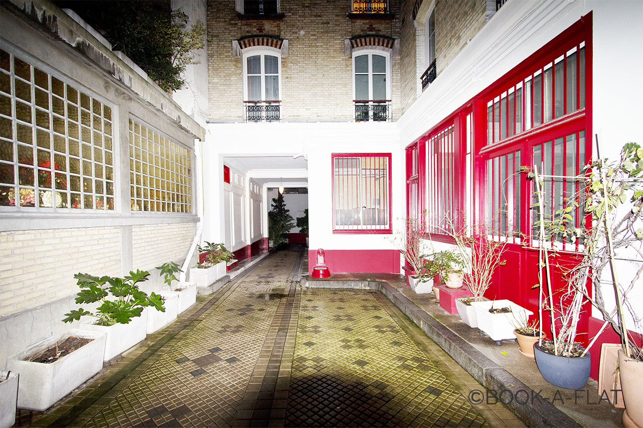 Apartment Paris Rue Sedaine 8