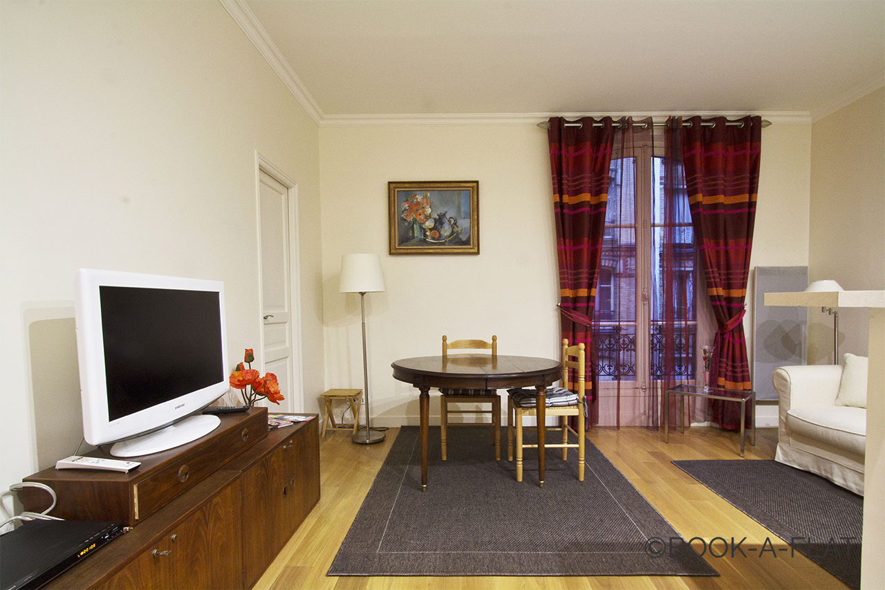 Paris Rue Sedaine Apartment for rent