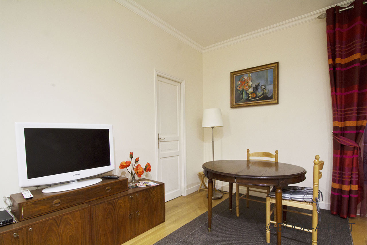Apartment Paris Rue Sedaine 3
