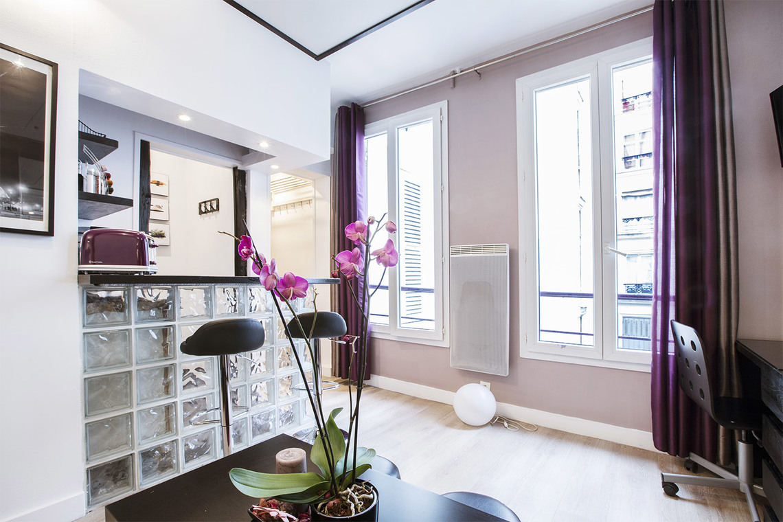 Apartment Paris Rue de Parme 4