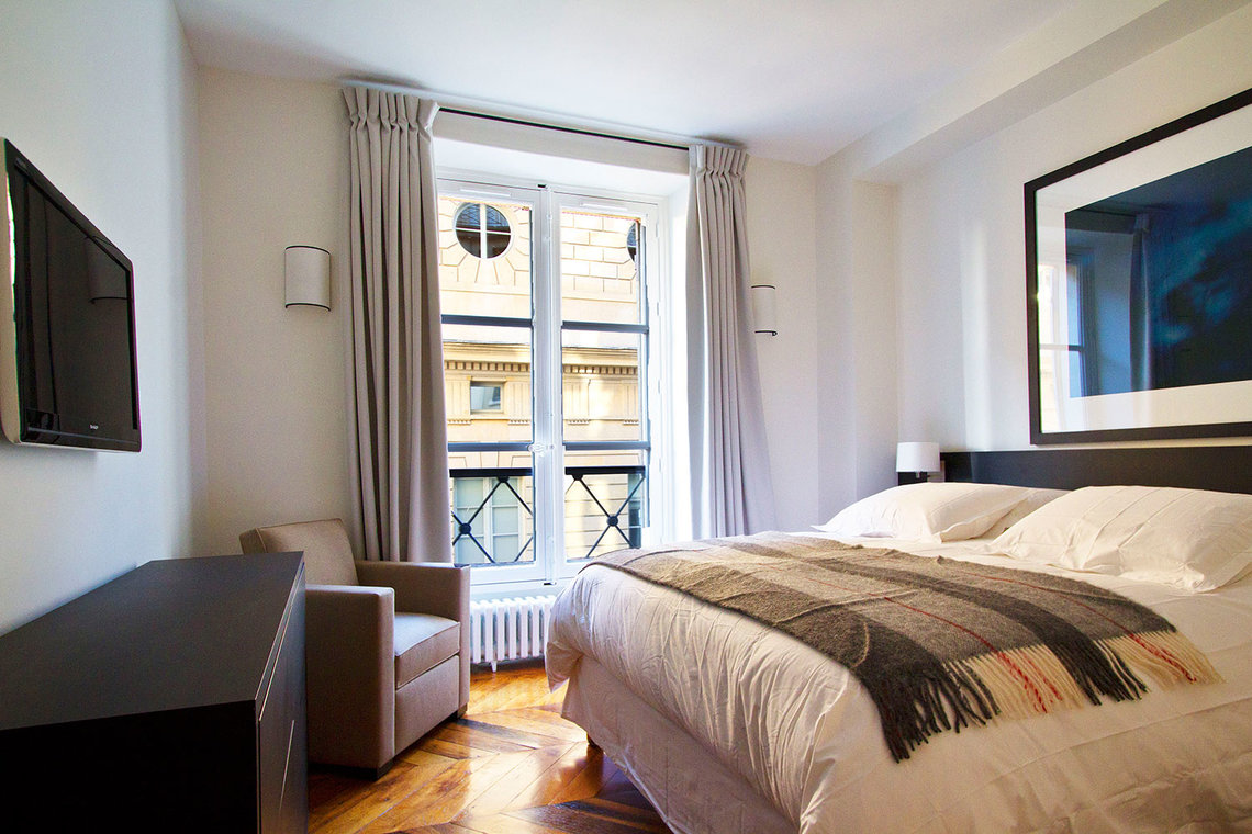 Apartment Paris Rue Corneille 6