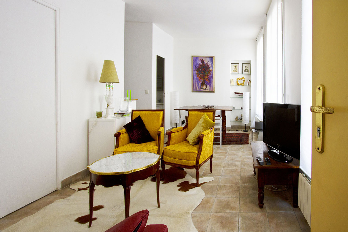 location appartement meubl rue du faubourg saint antoine paris ref 6086. Black Bedroom Furniture Sets. Home Design Ideas