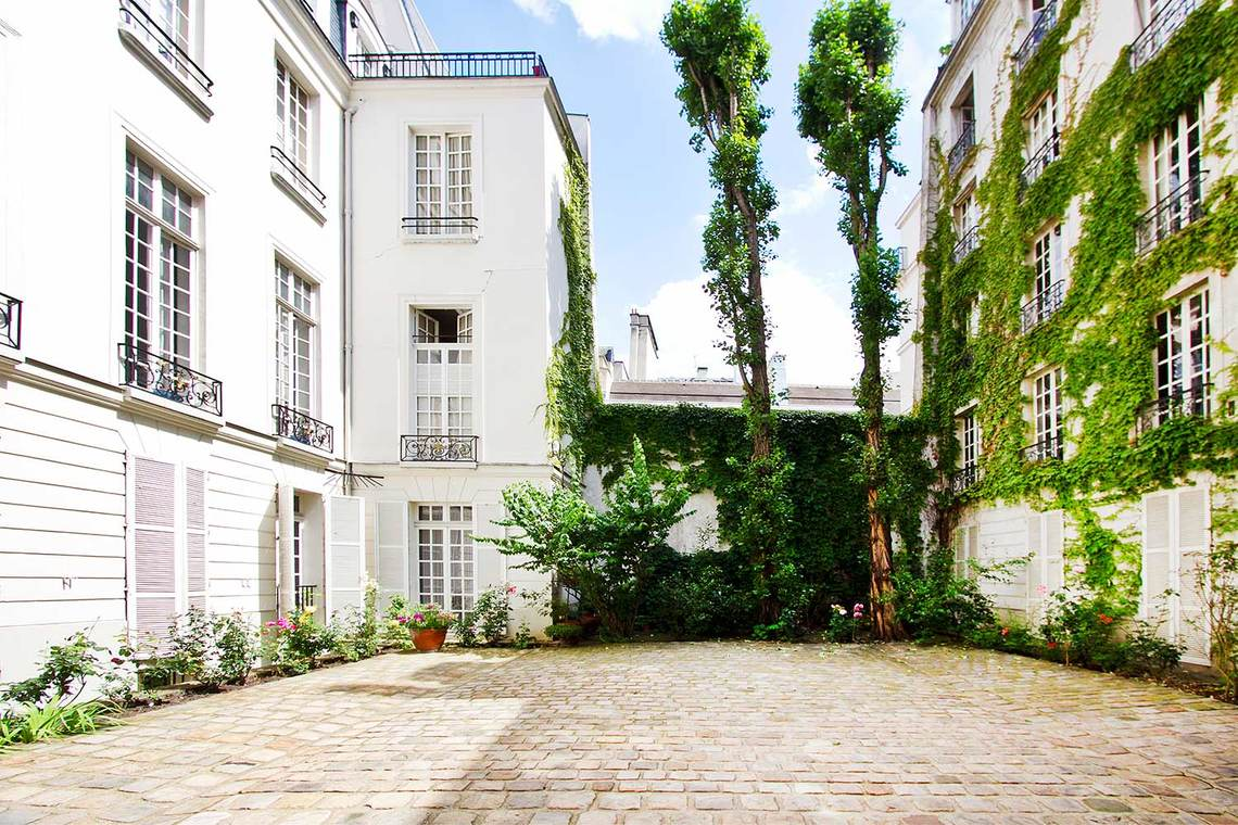 Apartment Paris Rue Aubriot 10