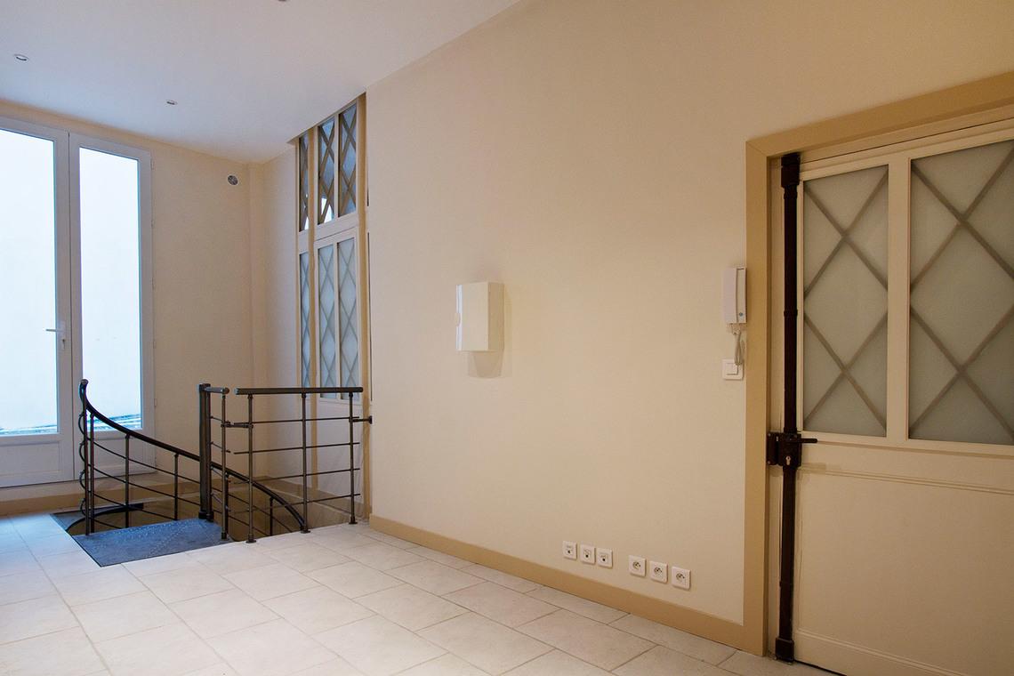 Location appartement meubl rue de s vign paris ref 6200 for Appartement meuble a paris