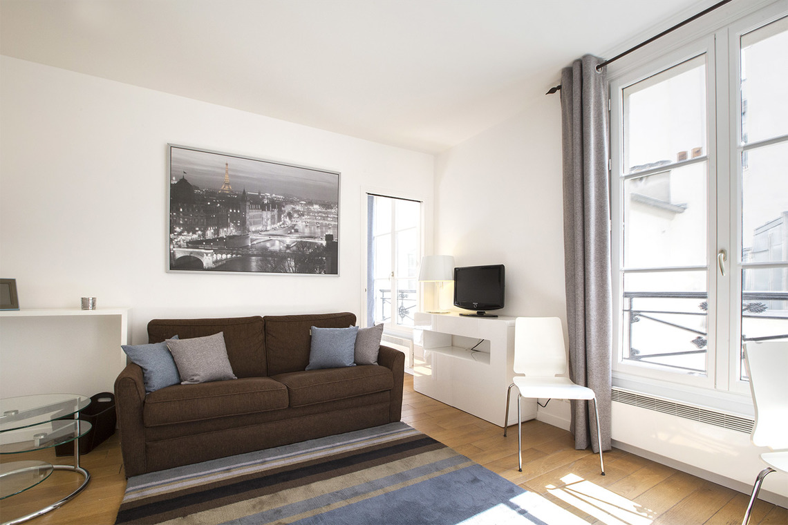 Furnished apartment for rent Paris Rue de Bretagne