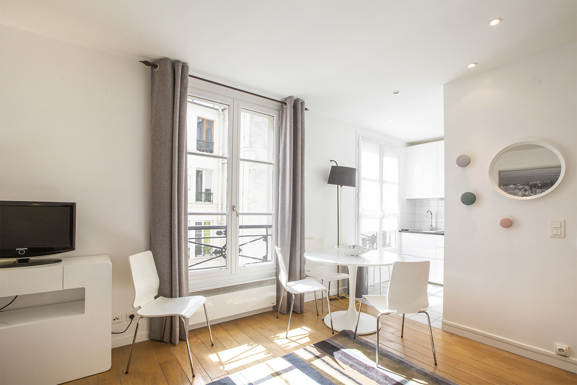 Paris Rue de Bretagne Apartment for rent
