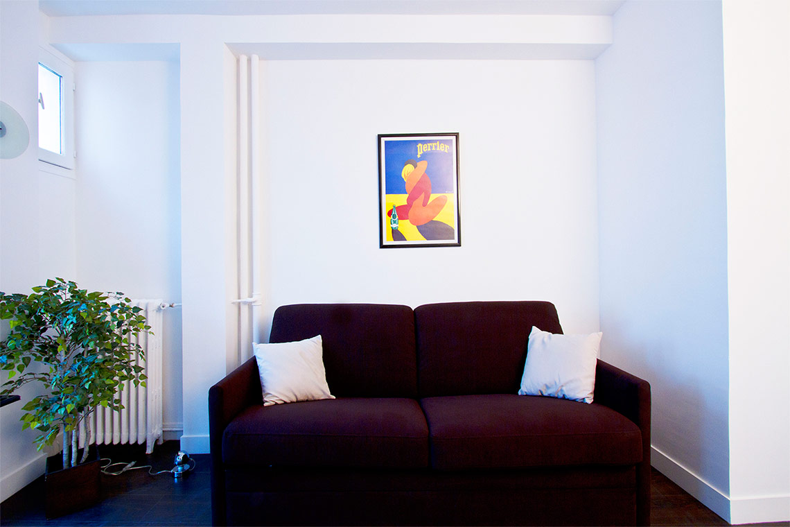 Apartment Paris Rue Erard 2