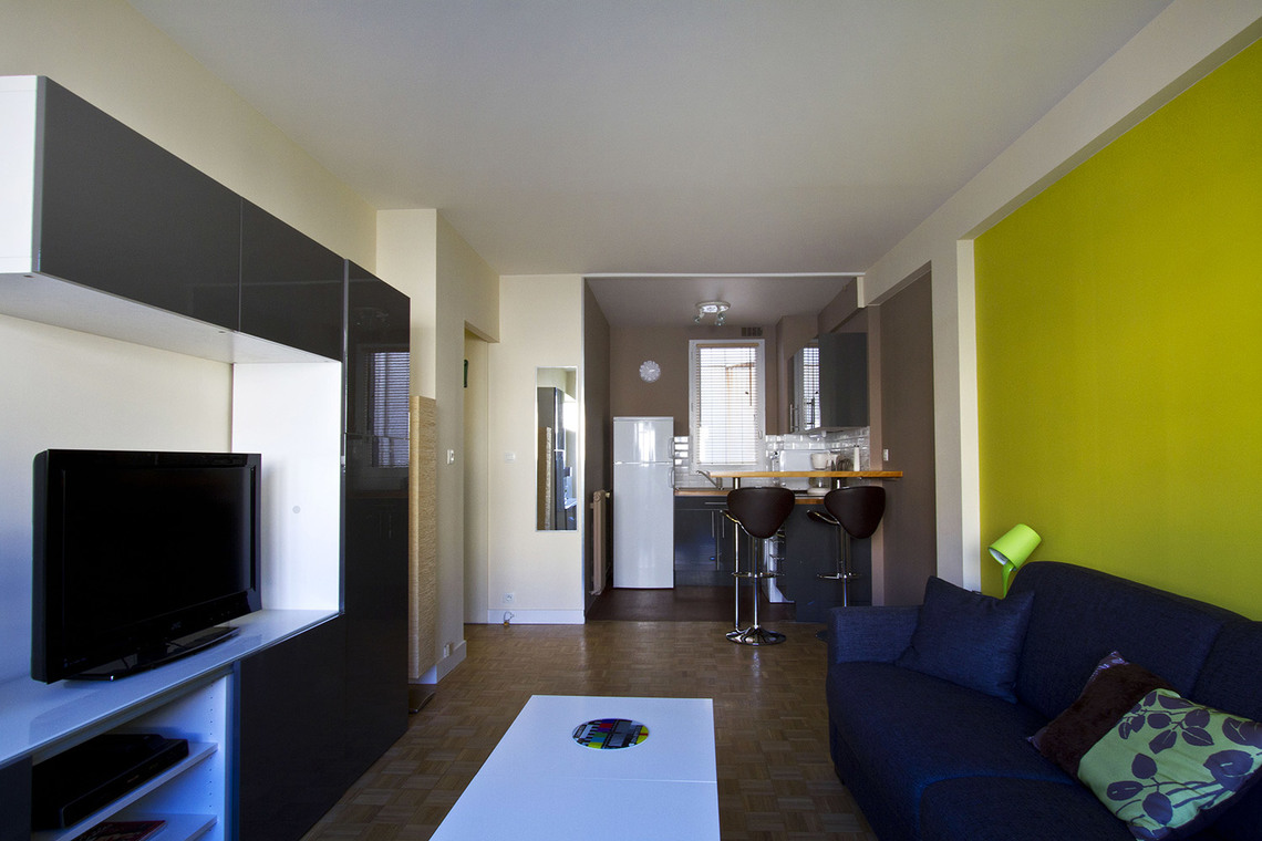 Paris Rue de la Folie Regnault Apartment for rent