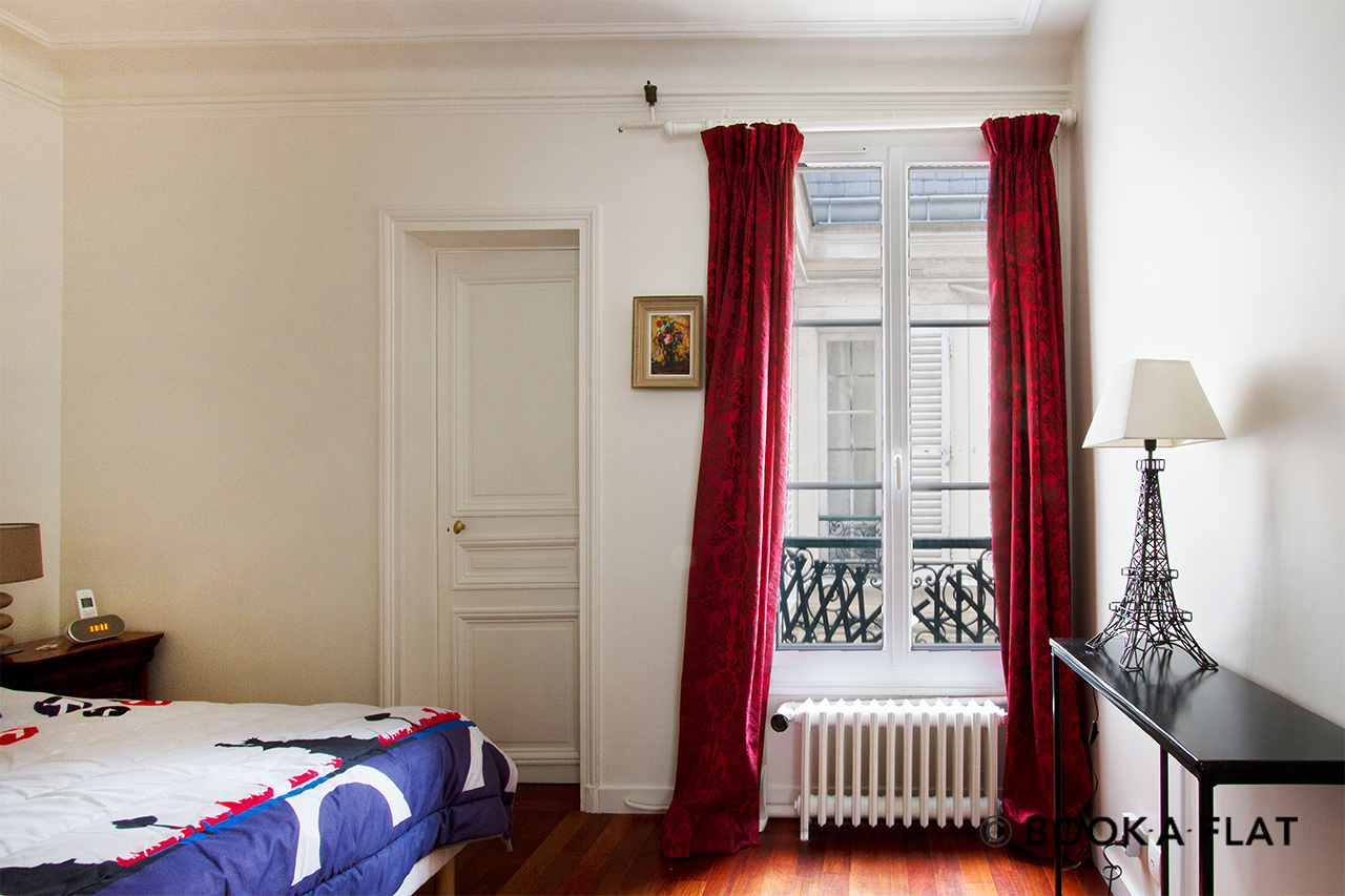 Appartement Paris Rue de Surène 5