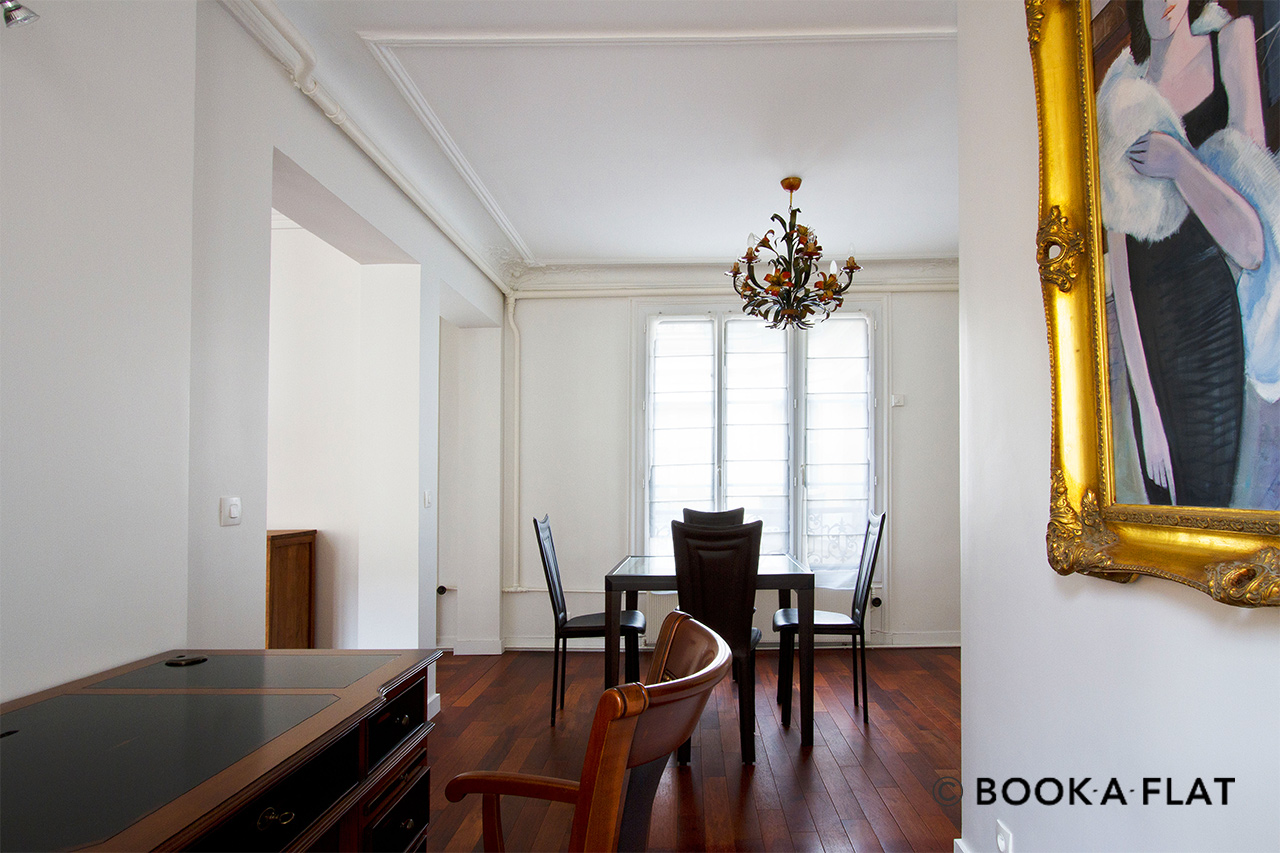 Appartement Paris Rue de Surène 3