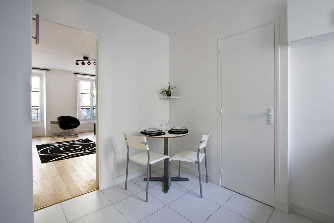 Apartment Paris Rue d'Avron 7