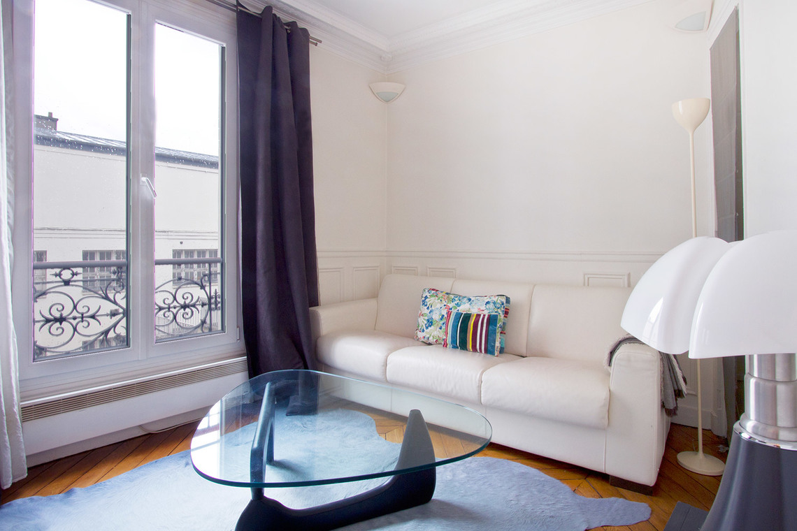Furnished apartment for rent Paris Boulevard du Montparnasse
