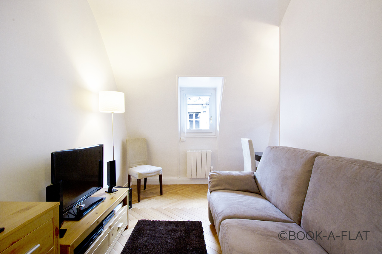 Paris Rue Favart Apartment for rent