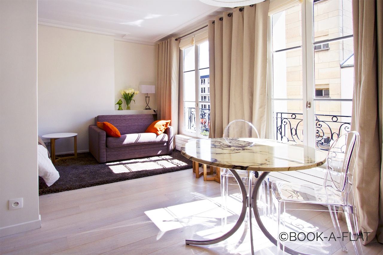 Furnished apartment for rent Paris Passage Jean Nicot